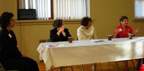 Victoria Waterman with Panelist Drs. Manno, Castiel and Felice